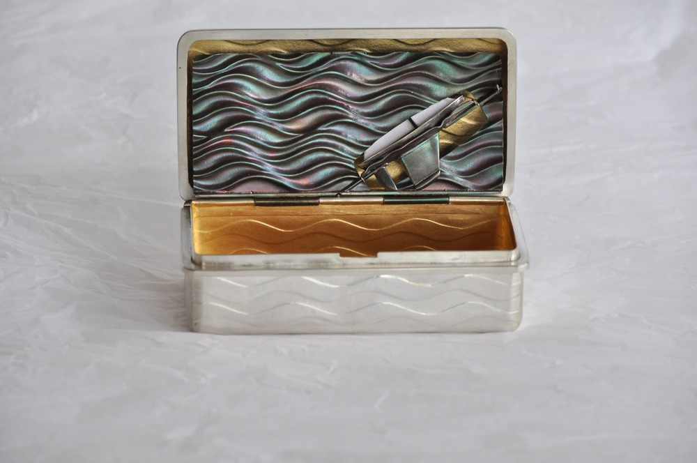 Snuffbox open inner lid up