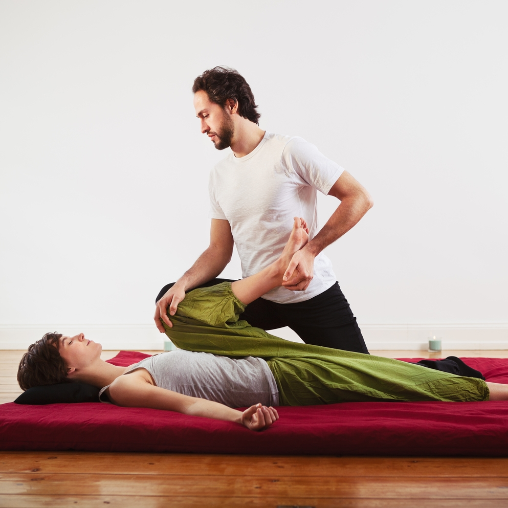 FLASHH_amoshiatsu_shiatsu_massage_bruno