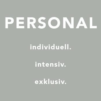 PERSONAL YOGA Jeder Mensch ist anders. Jeder Tag ist anders. Im intensiven Einzeltraining kann ganz individuell auf dich,deinen Körper, akute oder alte Beschwerden und dein Gemütszustand eingegangen werden.  Sprich uns wegen eines Termins einfach an! Wir vermitteln dir gerne ein Personal Training bei deinem Lieblings-Yoga-Lehrer.