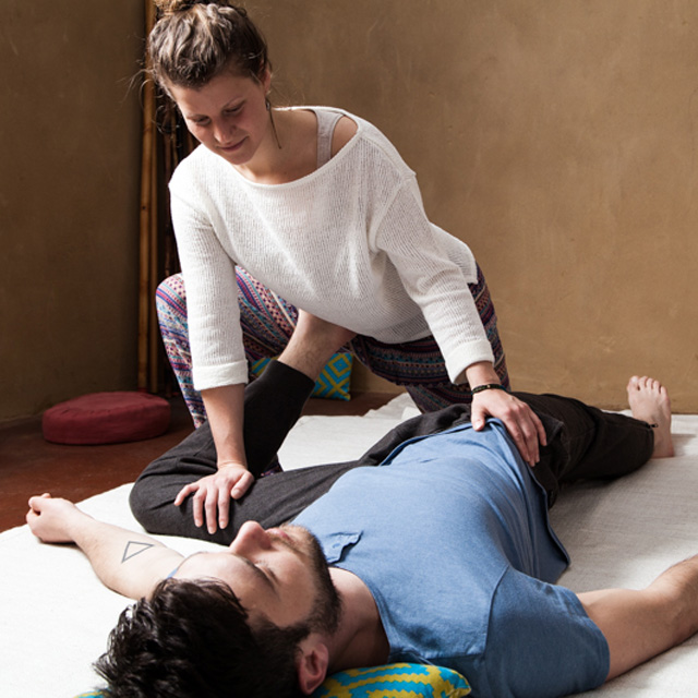 FLASHH_Thai_Yoga_Massage