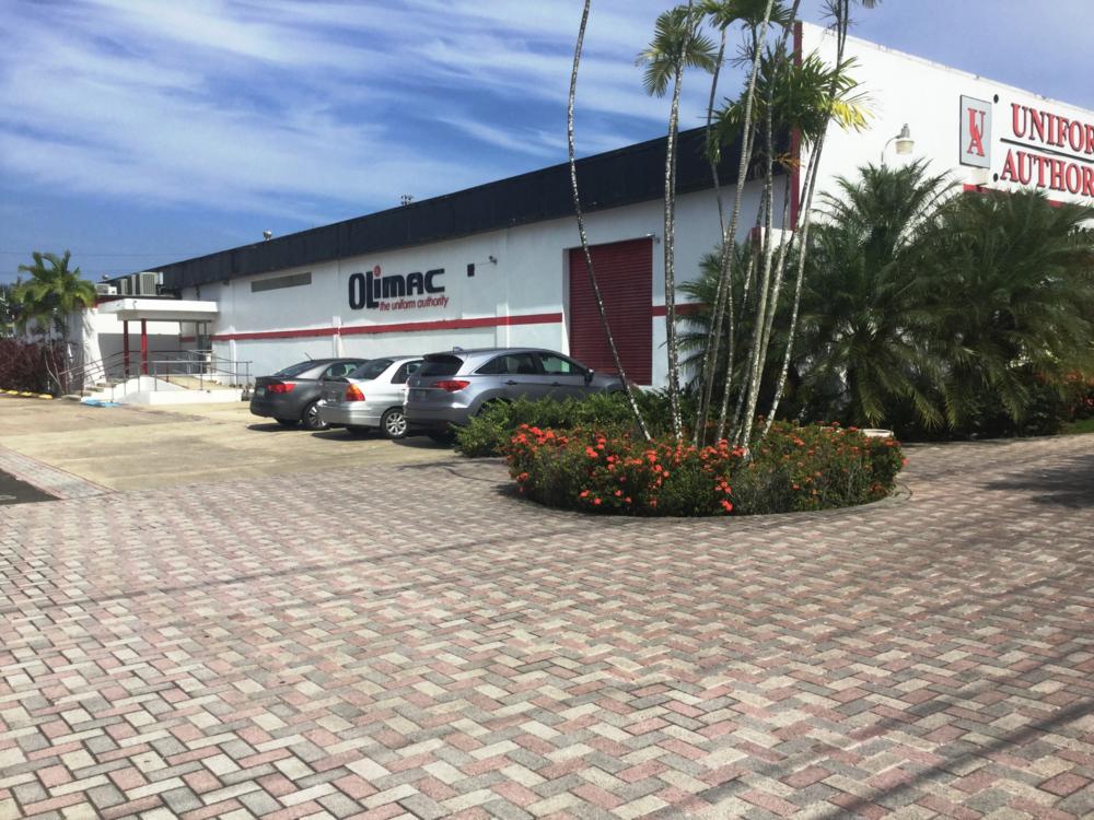Facilidades con amplio parking