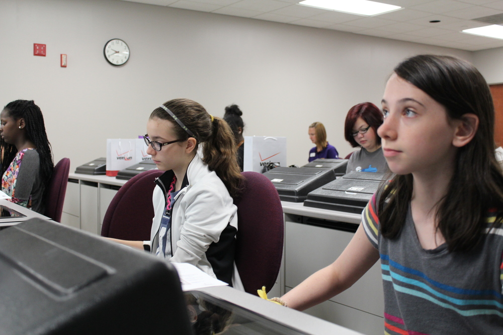 Girls eagerly learning code in Memphis