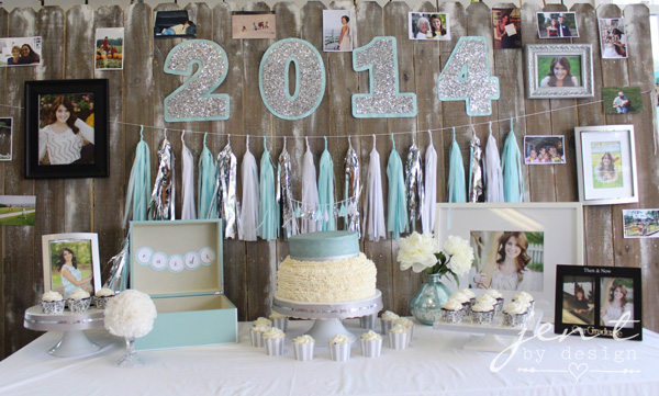 Graduation Party Decoration Ideas - Such a pretty graduation party table design! JenTbyDesign