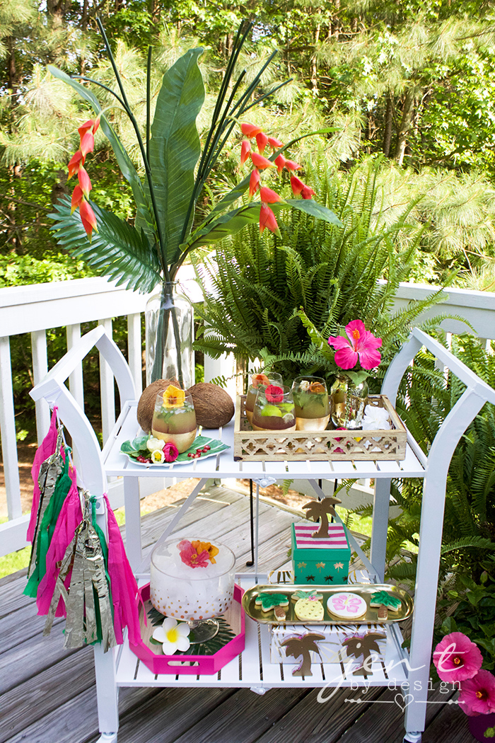 DIY Palm Tree Party Favors - Tropical Party Favors - JenTbyDesign.com