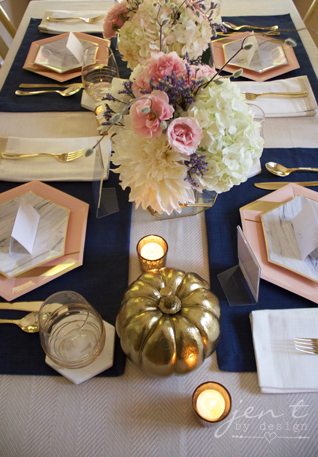 Pretty Thanksgiving Table Decor 4.jpg