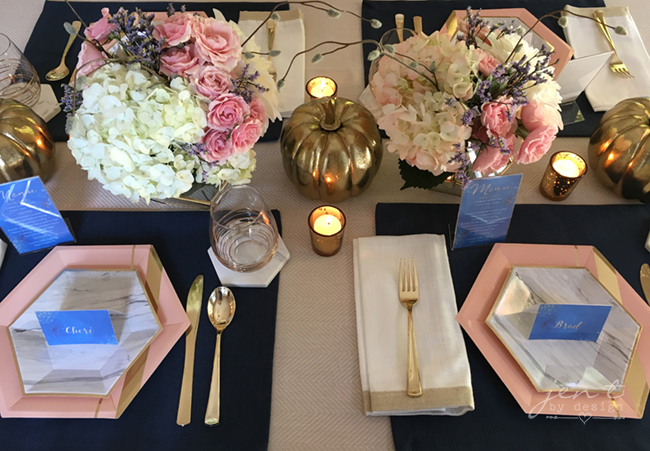 Pretty Thanksgiving Table Decor 7.jpg