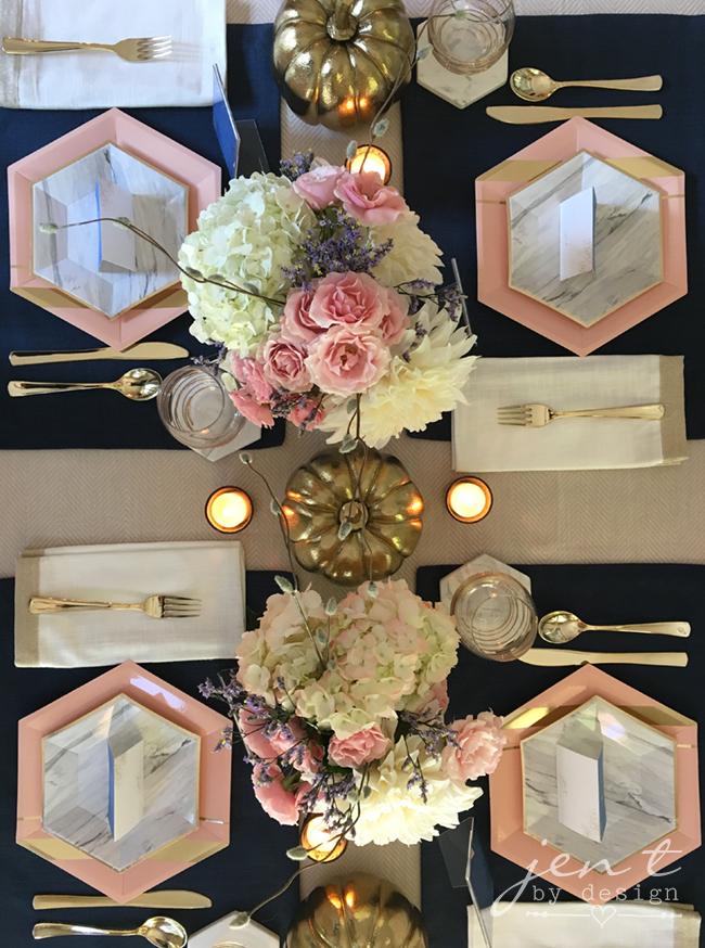 Pretty Thanksgiving Table Decor 9.jpg
