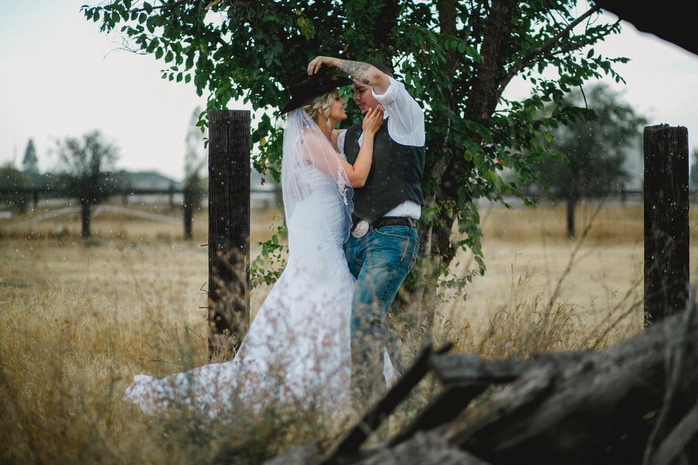 Rainy Backyard Country Wedding in Spokane Washington