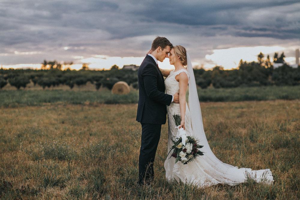 greenbluff wedding spokane bride and groom