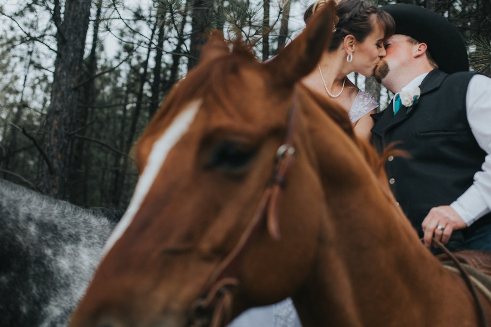 country wedding with horses on a ranch spokane washington