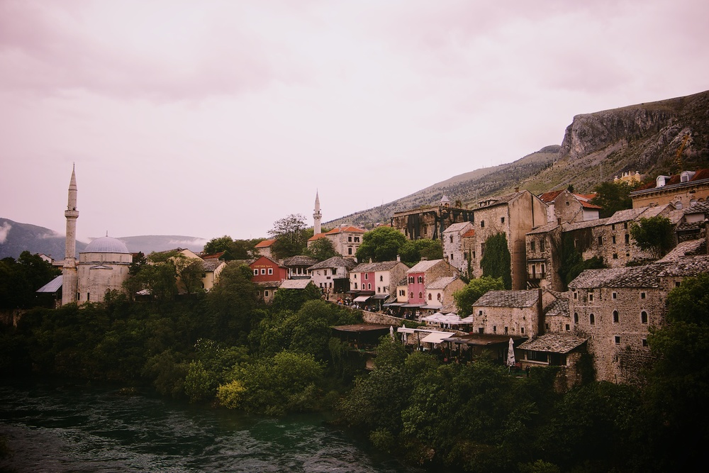 Eastern Mostar (2014, Denis Bosnic)