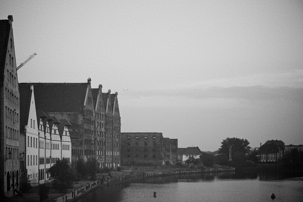travel-trip-summer-sky-poland-gdansk-industrial-port-sea-black-white-grain-denis-bosnic-photography-02.jpg