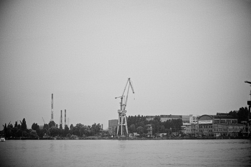 travel-trip-summer-sky-poland-gdansk-industrial-port-sea-black-white-grain-denis-bosnic-photography-10.jpg