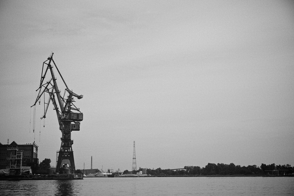 travel-trip-summer-sky-poland-gdansk-industrial-port-sea-black-white-grain-denis-bosnic-photography-11.jpg