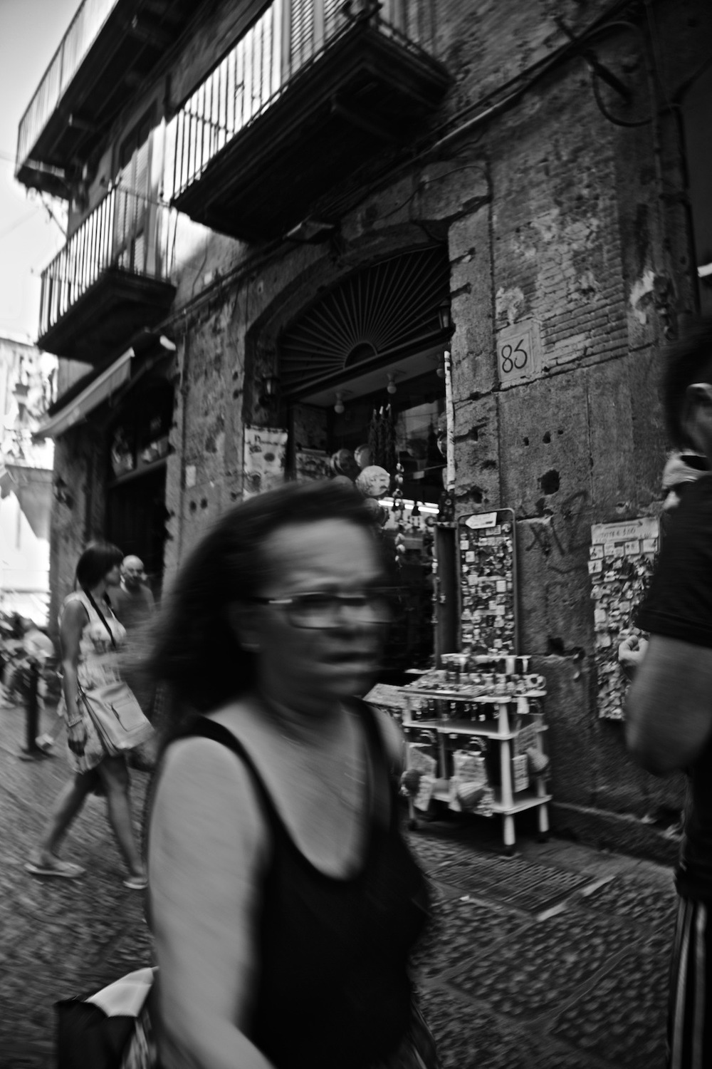 faces-of-napoli-denis-bosnic-photography-naples-bw-spaccanapoli-summer-6.jpg