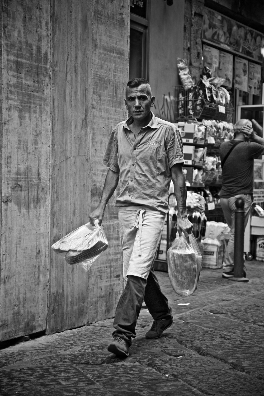 faces-of-napoli-denis-bosnic-photography-naples-bw-spaccanapoli-summer-17.jpg