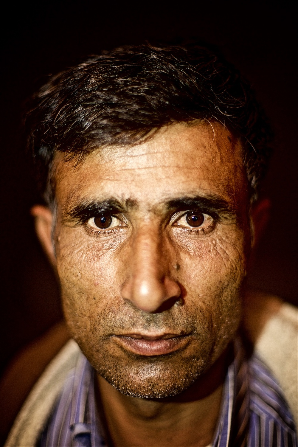 permanently-temporary-refugees-italy-rifugiati-italia-denis-bosnic-photography-portraits-5 (1).jpg