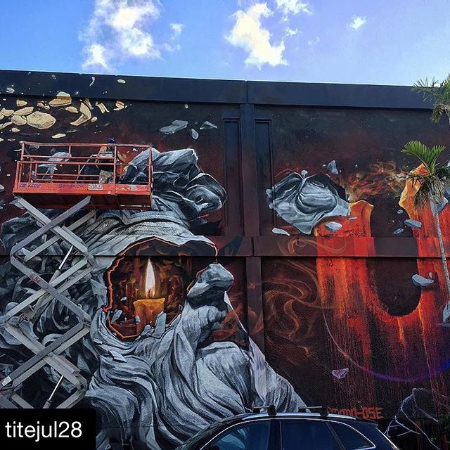 Dodo in Miami! ・・・ Sophocle's light @dodo_ose #wynwood #miami #artbasel #mural #streetart #artist #livepainting @ashopcrew @k6a_crew #montreal