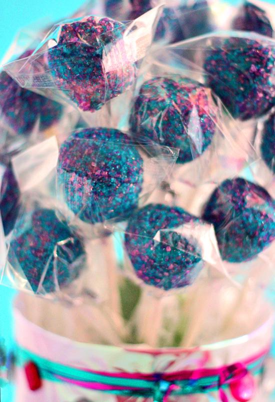blue-purple-cake-pops.jpg