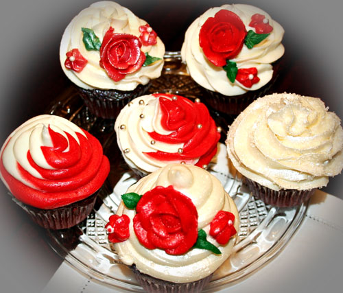 red-&-white-cupcakes.jpg