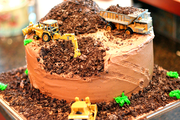 dig-cake.jpg