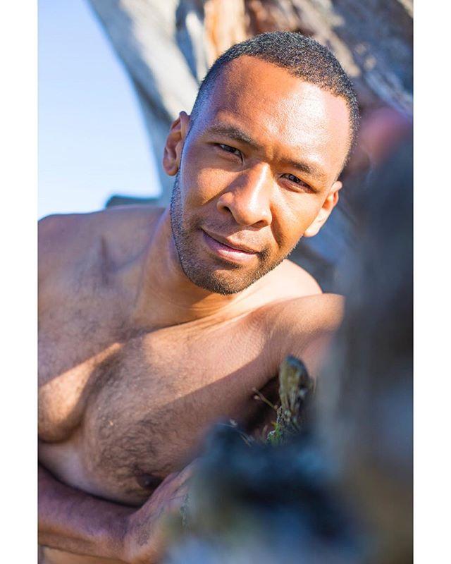 #mcm 🕺🏿@visionsofumaru 📸 @jcamarillophotos #mancrushmonday #almoatsummer #beach #inthesands #swimwear #picoftheday #portraitoftheday #malemodel #fashiondaily #seattlemodel #mensfashion #menswimwear #portraits #instagood #instapic #menportrait #instagram #mens #swimsuit #beachlife #havingfun😄 #mondaymotivation #soakinthesun #portraitphotography #pnwphotographer