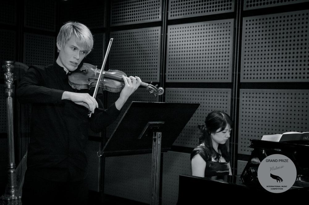 Sound check at Musikverein in Vienna playing Schumann