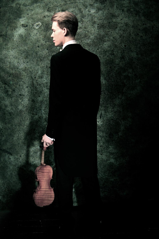 Joshua Hugo von Bohlen Violinist