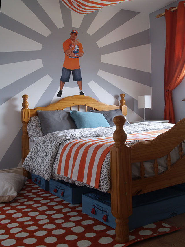 Kawałek materiału jako kapa na łóżku