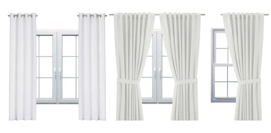 Dwa panele zwisająco luźno, zasłony podpięte oraz jeden panel upięty z boku okna