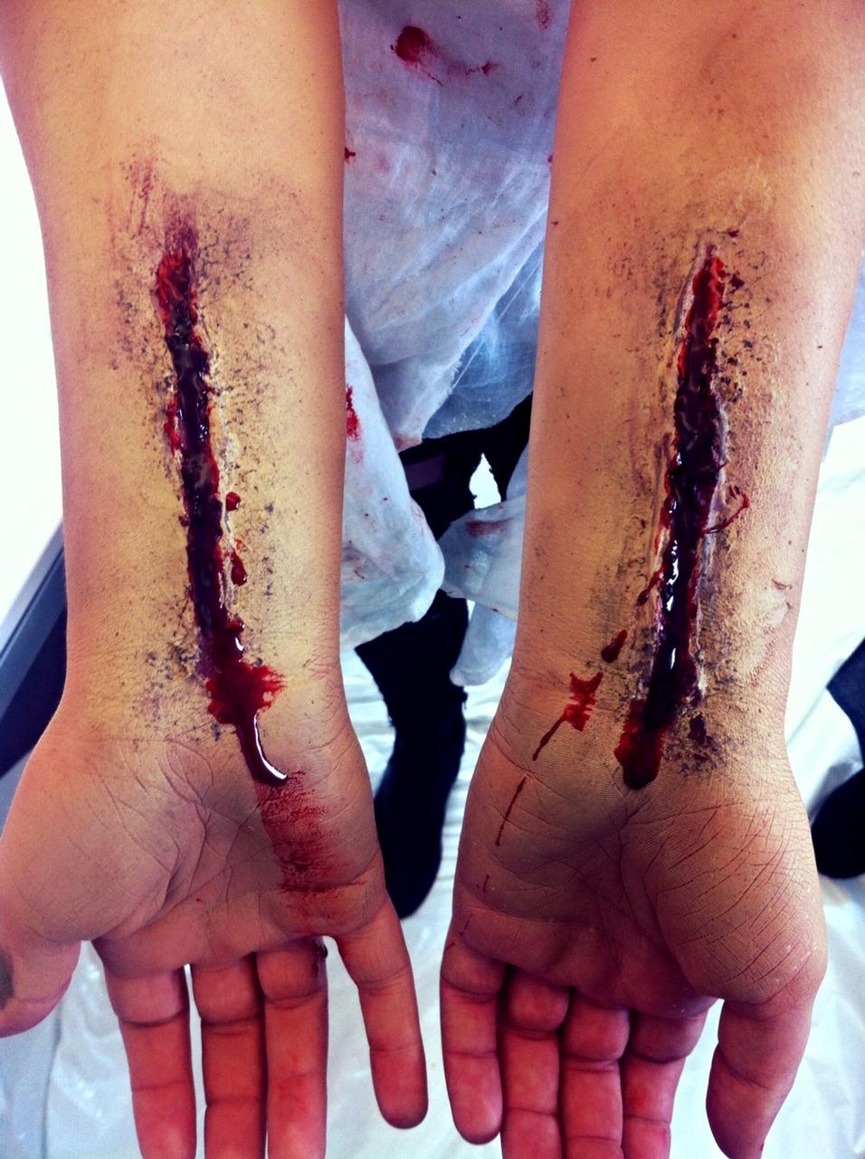 SPX slit wrists