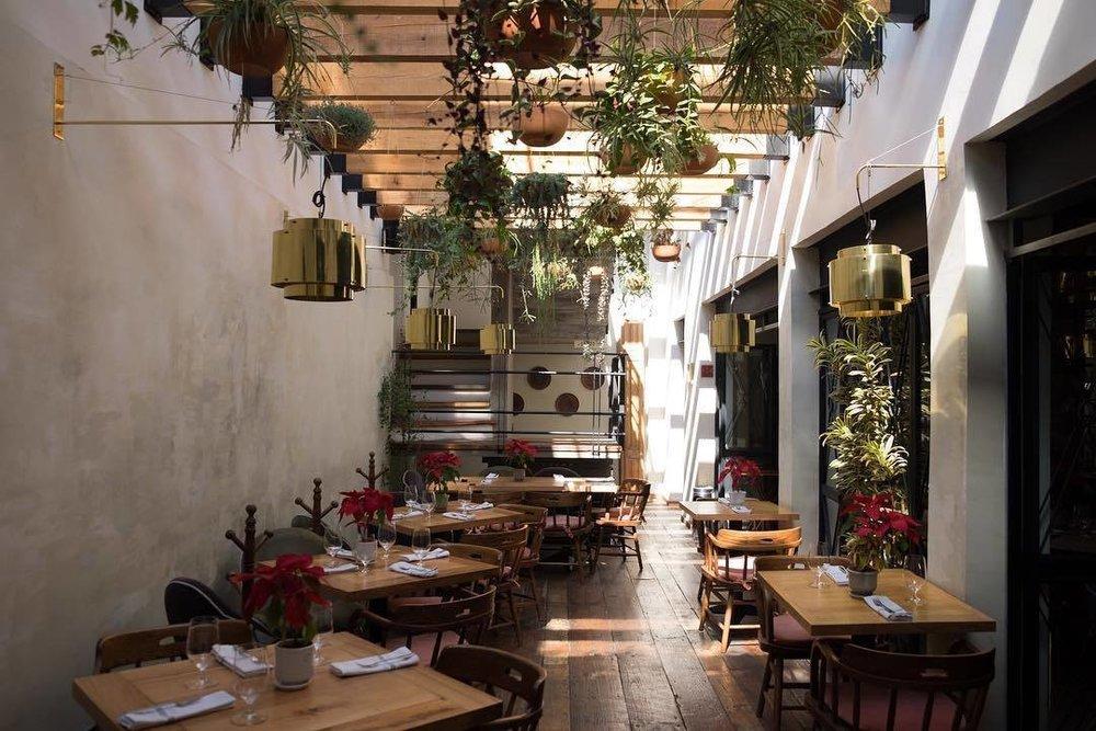 Sun-soaked dining at Mia Domenicca. (Courtesy of Mia Domenicca)