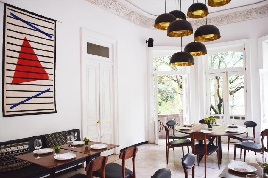 Modern dining at Blanco Colima.(Courtesy of Blanco Colima)