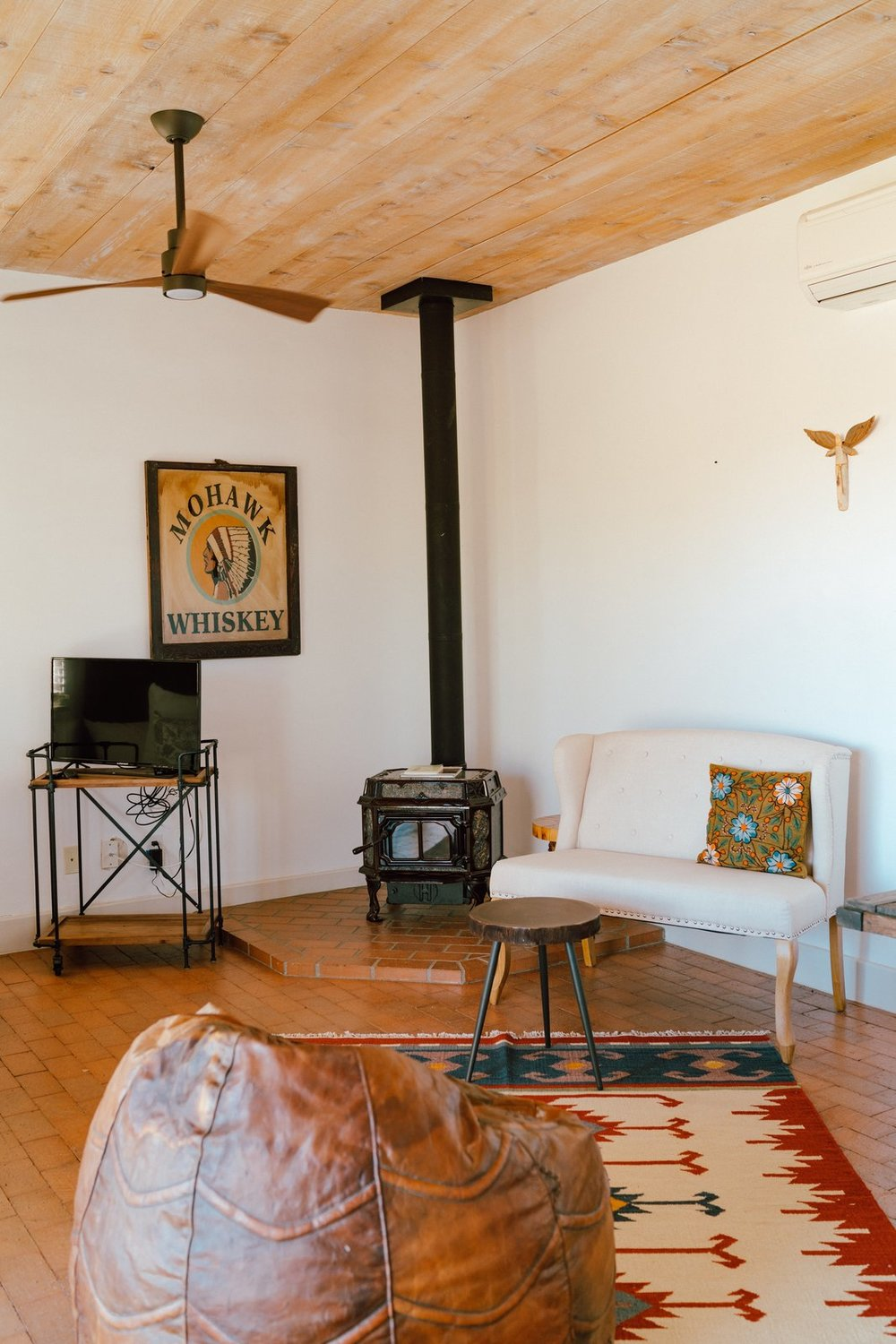 The casita offers a cozy escape for guests. (Tim Melideo)