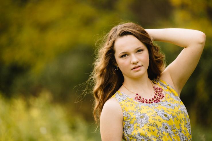 fall senior girl photography by meredith washburn