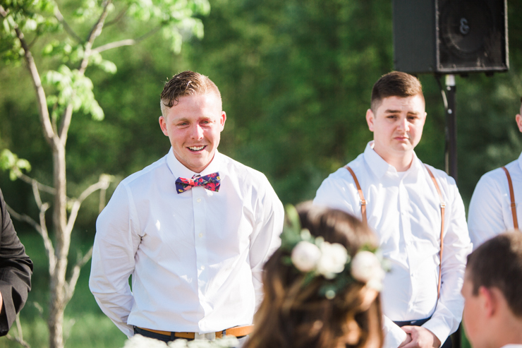 Best groom's reaction ever to seeing his bride walk down the aisle for the first time