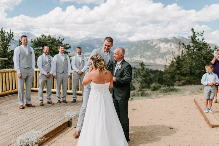 Outdoor Ceremony in the mountains at YMCA of the Rockies, Overlook Chapel