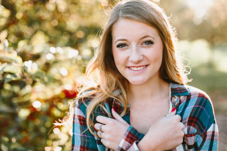 Outdoor senior girl photography Peoria Illinois