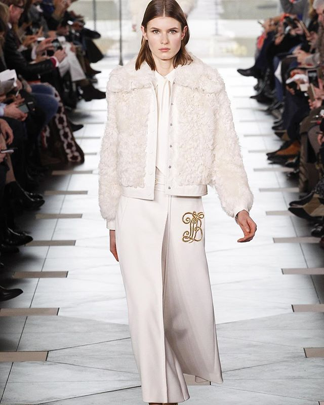 "Love this chic white look from @toryburch 's Fall 2017 Collection, inspired by Katharine Hepburn's character in ""The Philadelphia Story"""