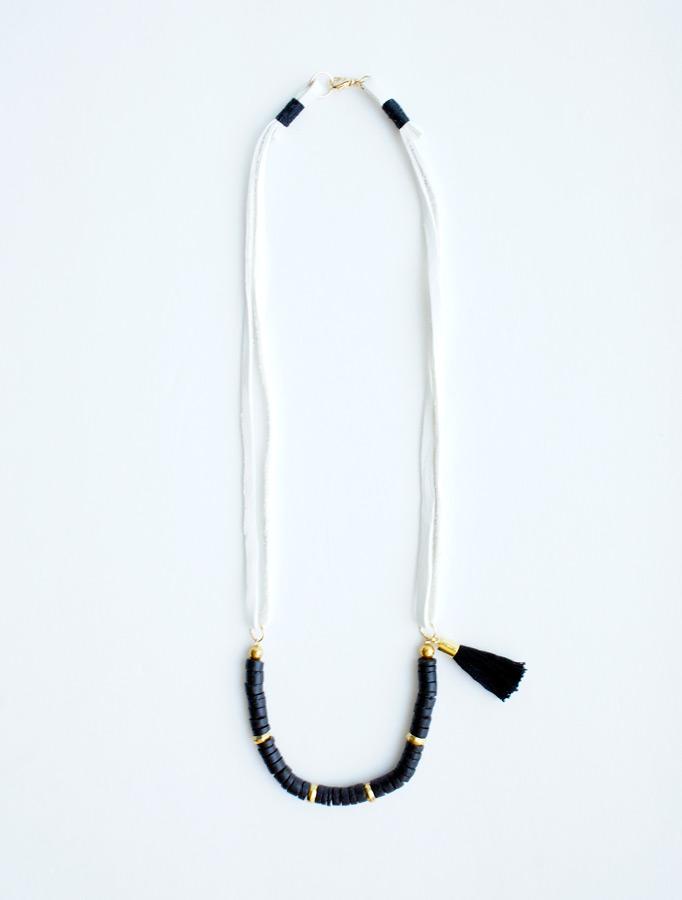 Leather strings black tassel necklace