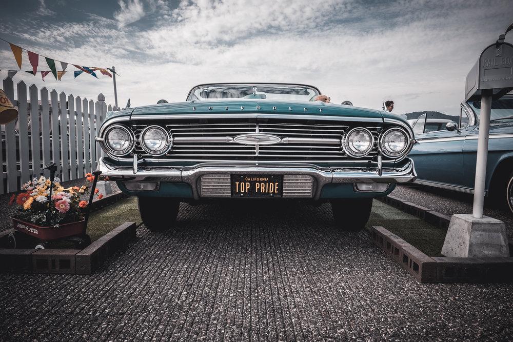 1960 Chevrolet Impala front.