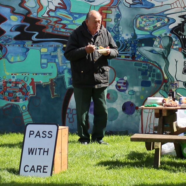 PASS WITH CARE, 2017 - Follow up cook out at Te Aro Park. Thanks to everyone who came to the show and donated food. A lot of people asked why we were doing this or what it was for. Was interesting to have the intention of gifting questioned, as serving food for free an art opening is understood to be common practice, why is that? Heavily undocumented cook up, but we served up a spicy vegetable and beans with  brown and white rice, vegeterian red pasta, penaut butter slice and peanut butter buiscuits along with juice, coffee and tea. Big big thanks to my homie @tylerinstacool for helping out with this public art project.  #pigeonpark #shonarapiradavies #kuratewarurewiri #dianeprince #tearo