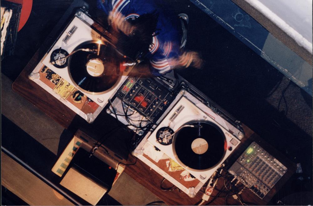 DJ Kemit FF129H-8.jpg