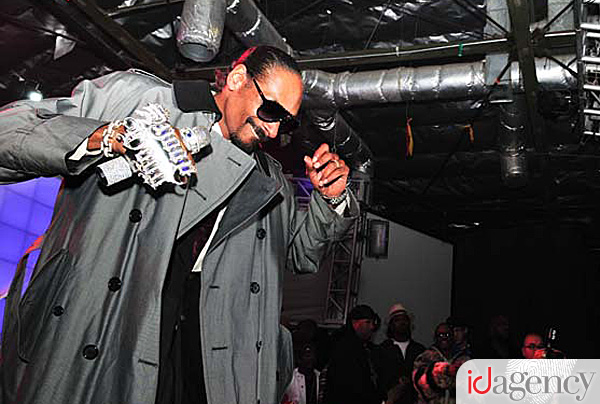 Snoop at the Famous Stars and Straps 10 Year Anniversary