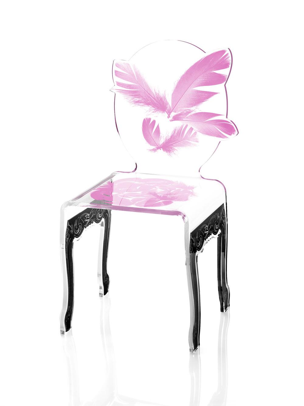 chaise plume rose pied noir.jpg