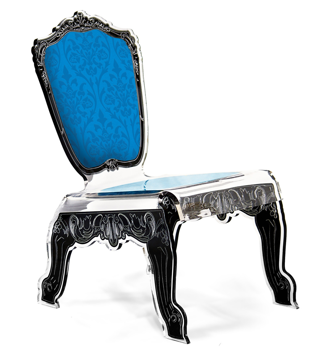 chaise basse baroque bleu.jpg