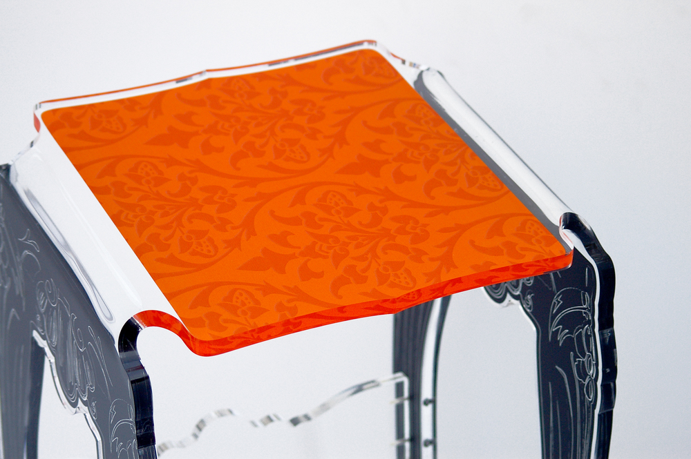 Stand selette baroque orange zoom.jpg