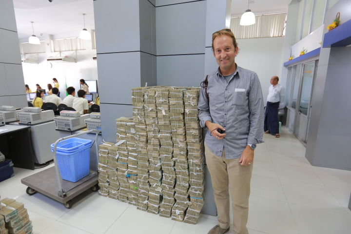 Piles of Money_0757.JPG