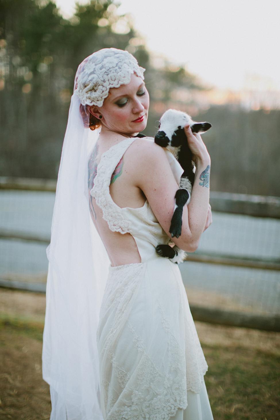 jameykay_arlie_folk_farm_wedding114.jpg