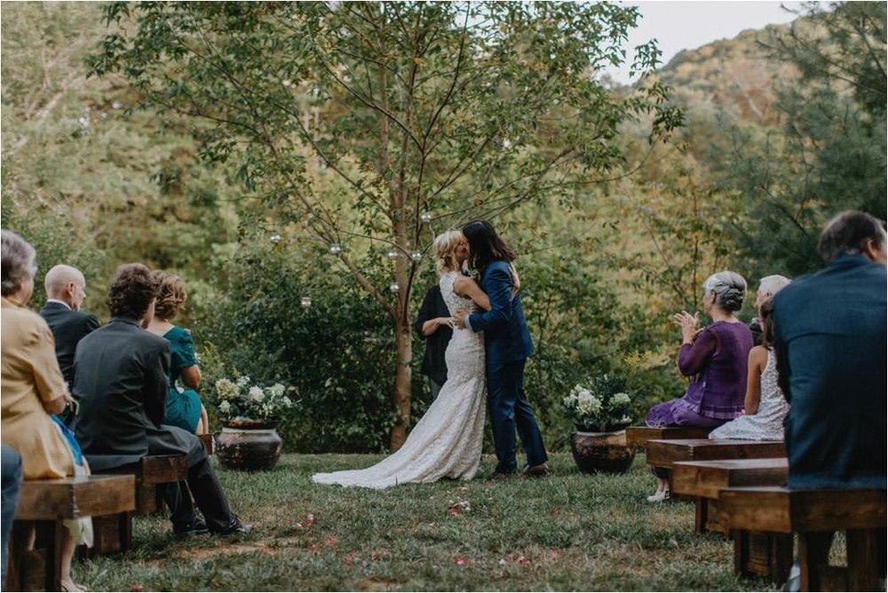 emily-scott-initimate-asheville-wedding_0028.jpg